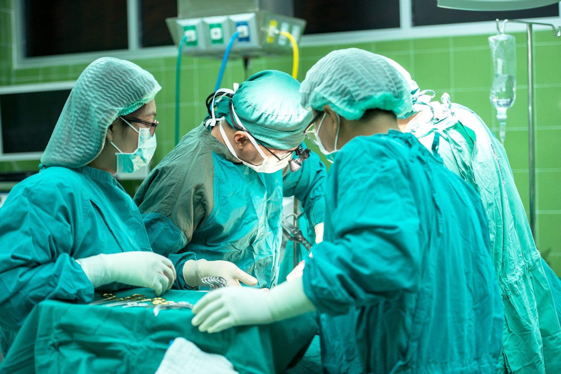 Surgery-1822458_1920
